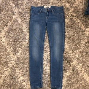 Size 5s. Hollister jeggings.